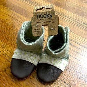 NWT Nooks Design handmade wool booties